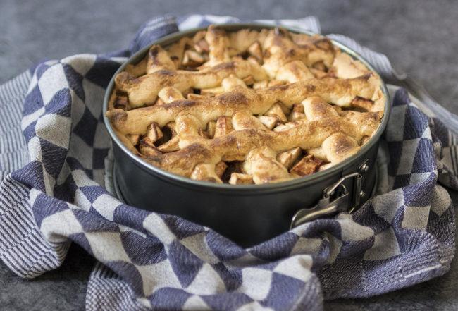 Quatre quart préparation recette pommes personnes ingrédients Blog Delbard