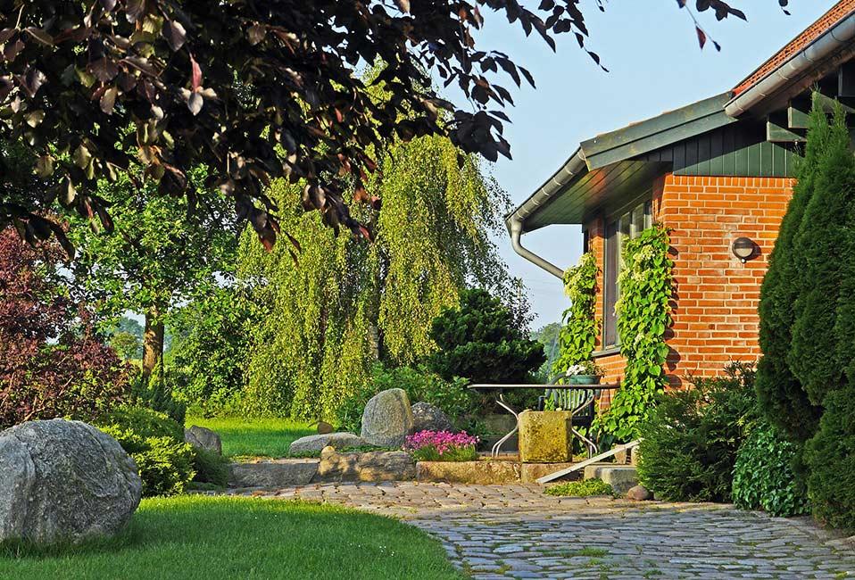 amenagement jardin conseils preparation ete plantes deco blog delbard